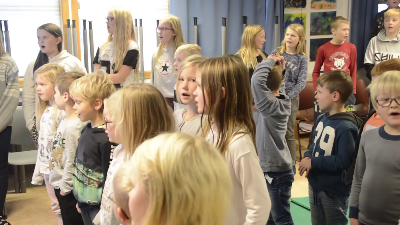 Austerdalen skole 80 år