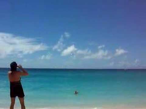 全球最囧的海灘,會不會太危險了~