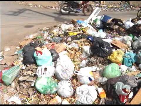[JORNAL DA TRIBUNA] Moradores e comerciantes de Olinda sofrem com o acúmulo de lixo