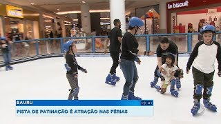 Pista de patinação com gelo sintético é atração nas férias em Bauru