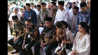 Video Cerita SBY soal Pertanda di Balik Batik 'Sawunggaling' Pilihan Ani Yudhoyono MP3, 3GP, MP4, WEBM, AVI, FLV Juni 2019
