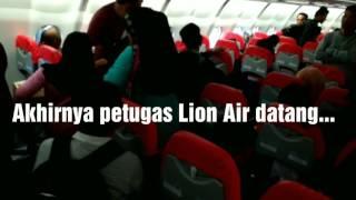 Video PETUGAS LION AIR BAGI-BAGI DUIT KOMPENSASI MP3, 3GP, MP4, WEBM, AVI, FLV Juli 2018