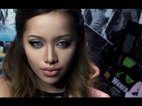 MichellePhan - October is the month of Halloween and if you need to look like a seductive siren, this is the look for you! More photos here http://www.michellephan.com/post...