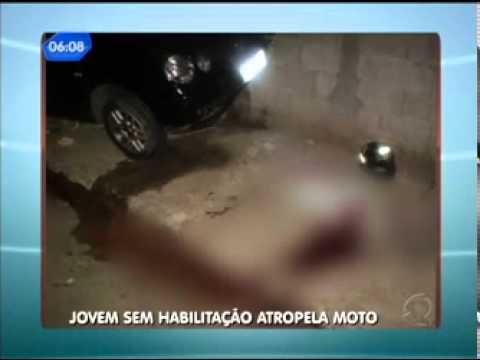 JOVEM SEM HABILITAÇÃO BATE EM VIATURA DA GUARDA MUNICIPAL DE COTIA E ATROPELA MOTOQUEIRO