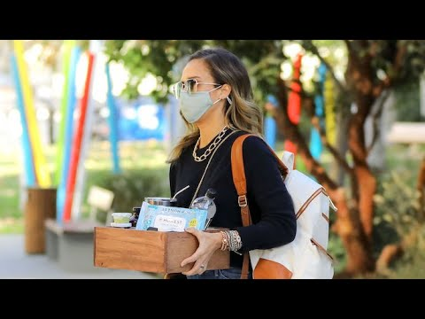 Jessica Alba Arrives At Her Office With A Box Of Honest Company Products