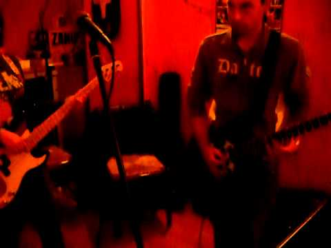 The MacPhistos - Another Brick in The Wall Part 2 (distorto) con assolo fenomenale!.AVI