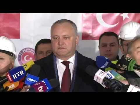 Președintele Republicii Moldovei împreună cu ex-ambasadorul Republicii Turcia au dat start lucrărilor de reparație a sediului Președinției
