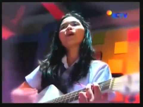 Download Lagu Ashilla Zee - Takut (Akustik) Music Video