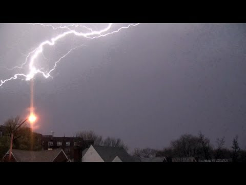 thunder storm - Not for broadcast but feel free to share and/or embed*: This was New York City's first thunderstorm of 2013! And, it also happens to be the earliest thunder...