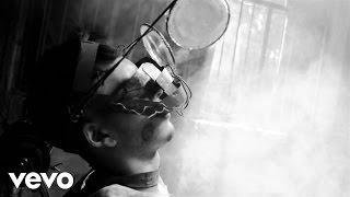 Directed by Diego CadavidOfficial music video by Sebastian Yatra performing Para Olvidar. 2014 Prince Records