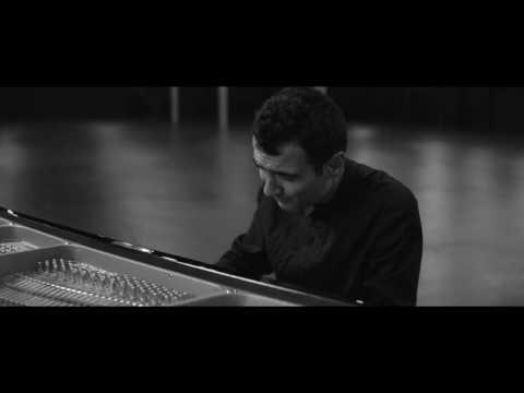 """Tigran Hamasyan - """"Fides Tua (Live)"""""""