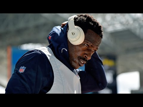 Antonio Brown is VERY frustrated right now, begging to return to #NFL