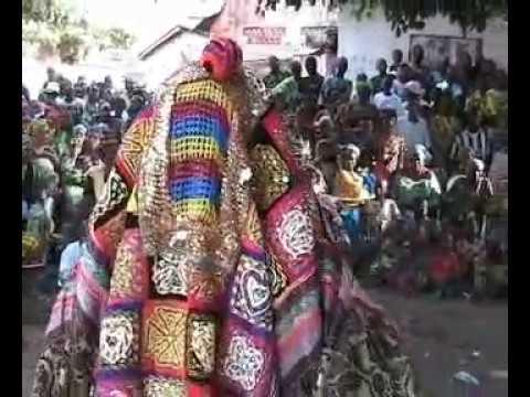 Ceremonie de sortie des EGOUN   AYE LABOLA