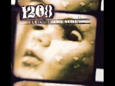 Tekst piosenki 1208 - Fall Apart po polsku