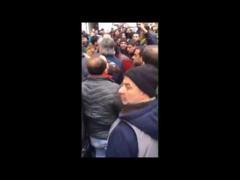 Sanayi mahallesi esnafı Sultan Selim Caddesi\'ni trafiğe kapattı.