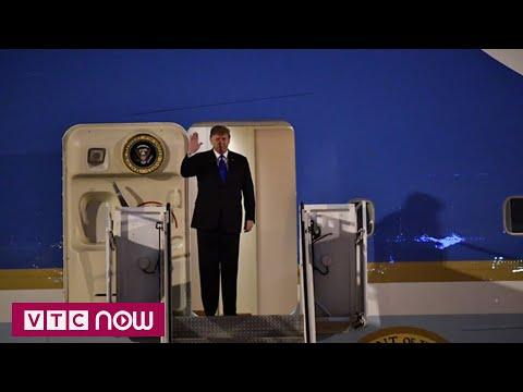 Khoảnh khắc Tổng thống Trump đặt chân xuống Nội Bài - Thời lượng: 3:53.