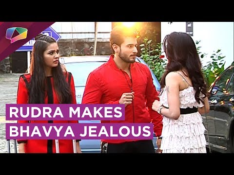 Rudra Tries To Flirt With A NEW Girl | Bhavya Jeal