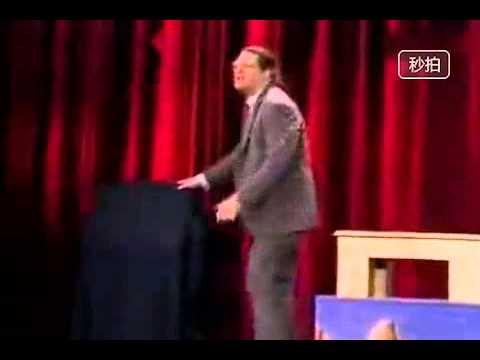 原來「把人切成三段」的魔術是這樣變的,看完都想罵人了!