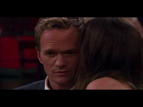 How I Met Your Mother - Barney kisses Robin