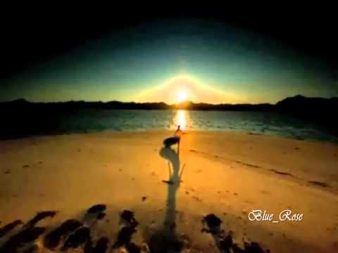 ΑΛΥΚΕΣ - Στις αλυκές του κόσμου Στίχοι: Ιφιγένεια Γιαννοπούλου Μουσική: Μαντώ Πρώτη εκτέλεση: Μαντώ Στο πλάι της Νέας Εποχής γυρεύω μιαν...