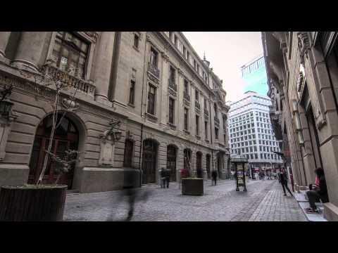 Entra al edificio de la Bolsa