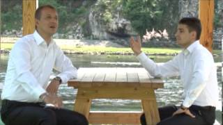 Download Lagu Raspjevane meraklije - Unucici moji mili - (Official video 2013) HD Mp3