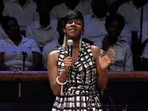 Le'Andria Johnson sings hit song 'Jesus' at Mt. Zion Church