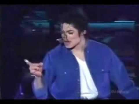 Sexy boy Michael Jackson hot moves O_o (видео)