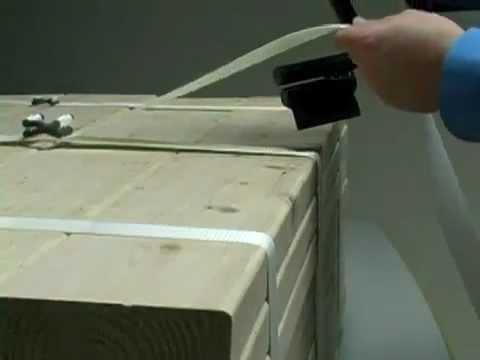 Sistema di bloccaggio per cinghie in poliestere rinforzate