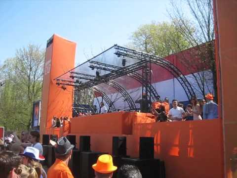 Michel de Hey - Loveland Queensday Amsterdam 30-04-2012 (track id 'Password' - Tuccillo)