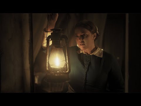 Lady With The Lamp 🕯️