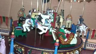 2003 Mr. Christmas Nottingham Fair Roundabout Carousel animated