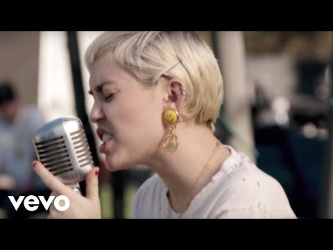 Different (Feat. Joan Jett) [Backyard Sessions]