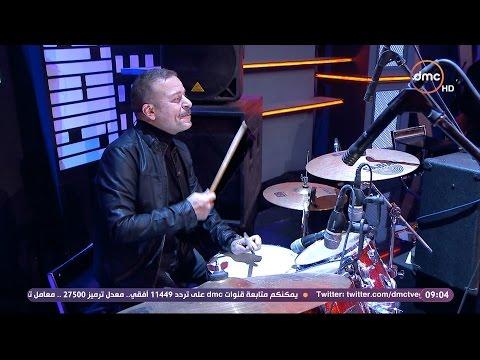 """شاهد- مدحت صالح وشريف منير يقدمان """"المليونيرات"""" على المسرح"""