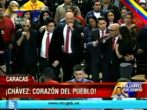 Hany Kauam, El Potro Álvarez y Los Cadillacs le cantan al Comandante Chávez en capilla ardiente