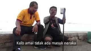 Download Video MERINDING ! Masyaallah, Kapolda Umar Suapi Orang Buta di Pantai Losari MP3 3GP MP4