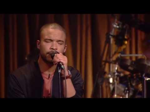 Shaka Loveless synger - White Nights - Toppen af Poppen