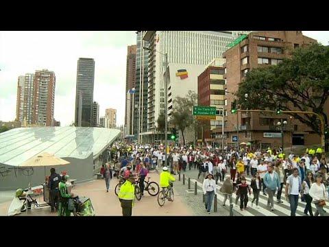 Kolumbien: Tausende Menschen protestieren gegen Terro ...
