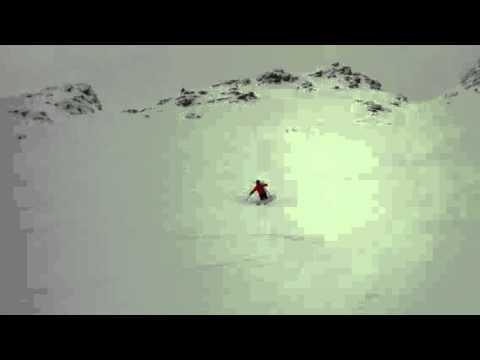 Powder Ski Day in British Columbia at Kicking Horse Mountai (видео)