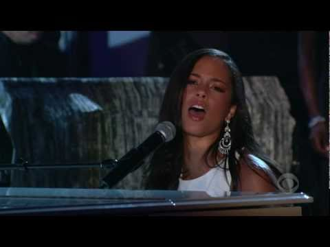 Alicia Keys - If I Ain't Got You (live at grammys 2005) HQ
