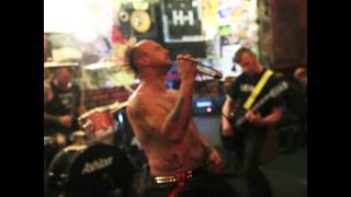 Video Ginnungagap v Promblem clubu 2 Násilí proti veřejnosti
