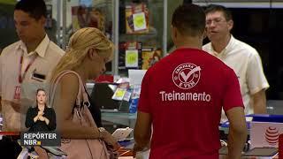 REPÓRTER NBR 20H - 17.08.17: O Consulado do Brasil em Barcelona segue monitorando o atentado terrorista que deixou mortos e feridos na Espanha. Taxa de desocupação caiu em 11 das 27 unidades da federação, diz IBGE. E mais:  Brasil comemora hoje o Dia Nacional do Patrimônio Histórico.