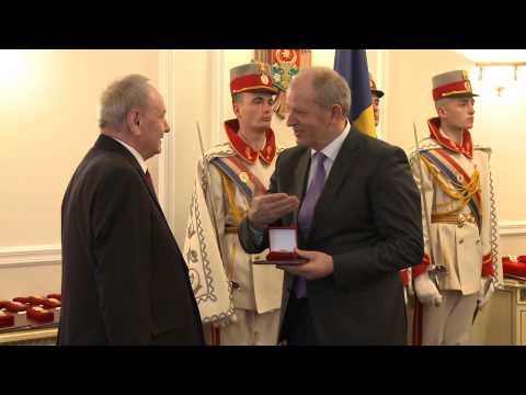 Președintele Nicolae Timofti a acordat distincții de stat unui grup de cetățeni