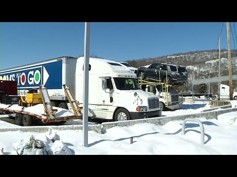 Truck Drivers Say It's Difficult to Find Places to Rest