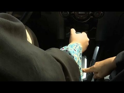 Saudi-Arabien: Frauen lernen Auto fahren