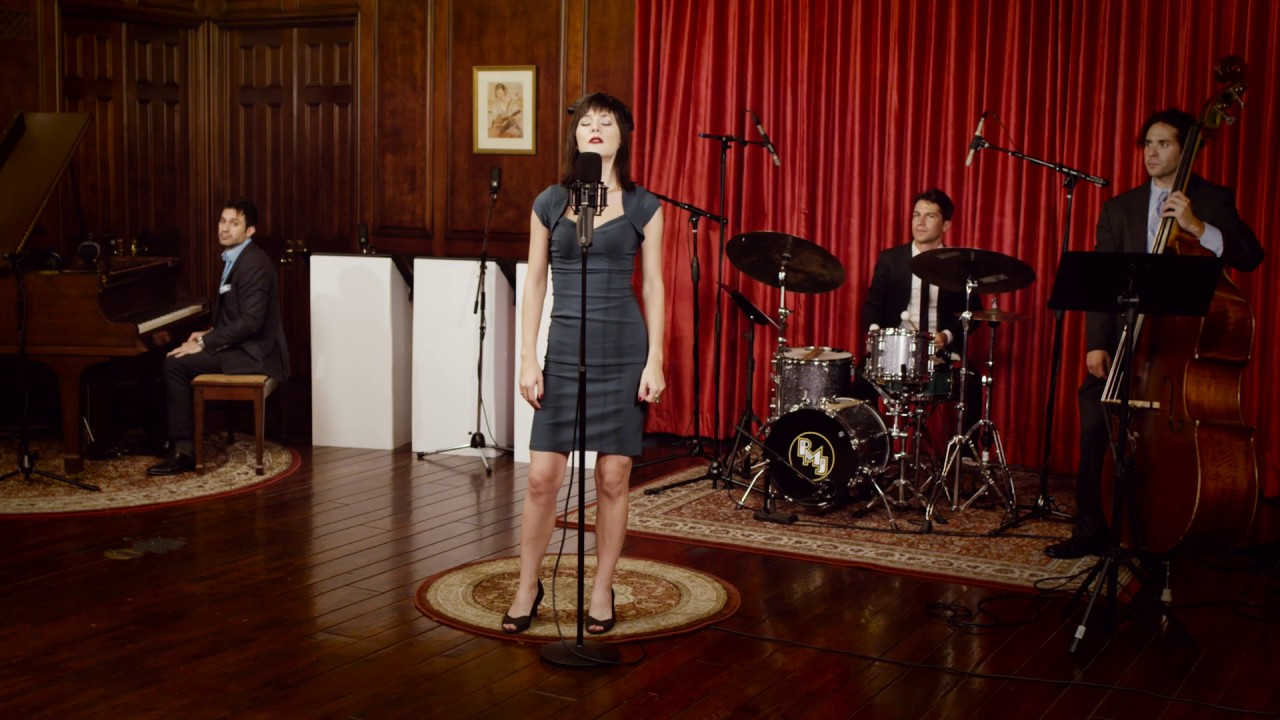 Who Can It Be Now? – Men At Work ('40s Jazz Cover) ft. Sara Niemietz