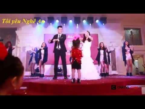 Cô dâu và chú rể nhảy vũ điệu cồng chiêng tại đám cưới cực hot