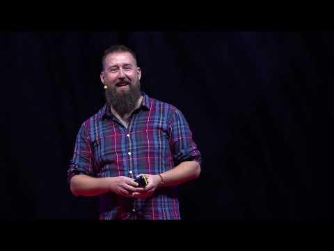 Miért fordítasz hátat a pillanatnak? | Kálló Péter | TEDxDanubia