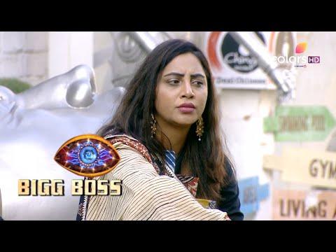 Bigg Boss S14 | बिग बॉस S14 | Sonali Throws Water On Arshi