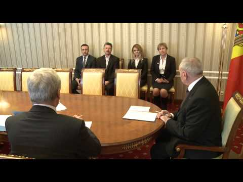 Moldovan president signs decrees appointing four judges